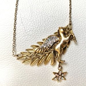 Pegas unicorn necklace with crystals and star